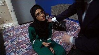 سكس عرب مليف الاطفال العرب في Www.hot-sex-porno.com