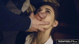 سكس اغتصاب طالبة مراهقة مثيرة من مدير المدرسة نيك كامل مجانا xxx فيلم