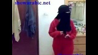 رقص مصرية دلوعة ترقص بالكلوت والسنتيان رقص منازل مثير مجانا xxx فيلم