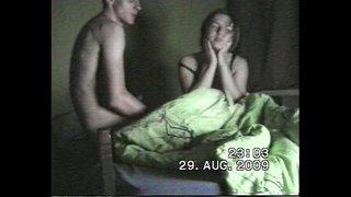 سكس أجنبي مثير و يهيج على مراته الشابة و تمص زبره و ينيكها نيك ...