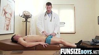 دكتور هيجان ينيك صبي مراهق 8211; سكس في المستشفي مجانا xxx فيلم