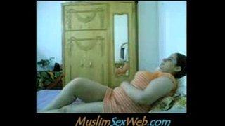 نيك بنات مصرية من عشيقها علي سرير الفراش 8211 سكس مصري فيلم عربي Xxx